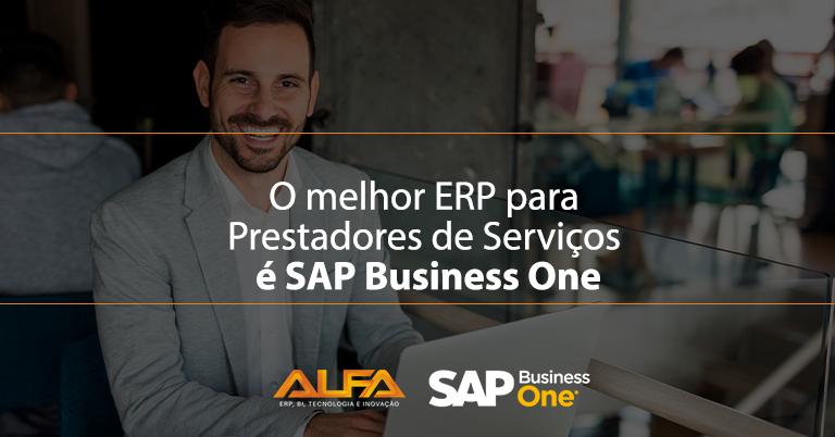 """Um gestor empolgado, com seu notebook aberto. Na imagem aparece a frase """"o melhore ERP para prestadores de serviços é o SAP Business One"""""""